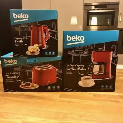 Set petit déjeuner Beko rouge